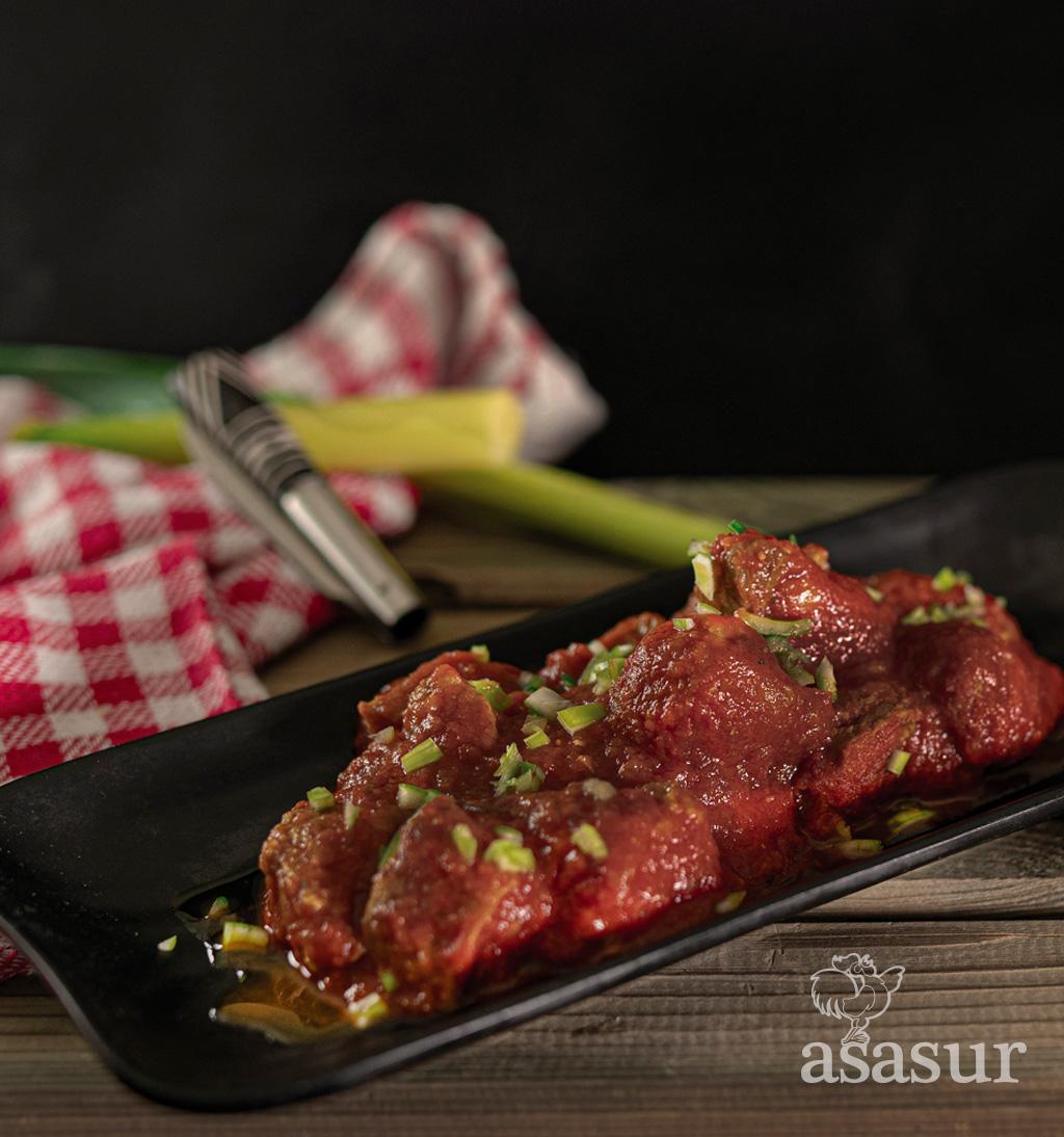 Carne com tomate